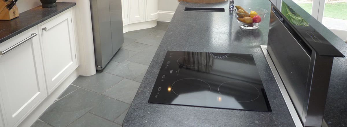 expert hob and extractor cleaning in Newport, Gwent